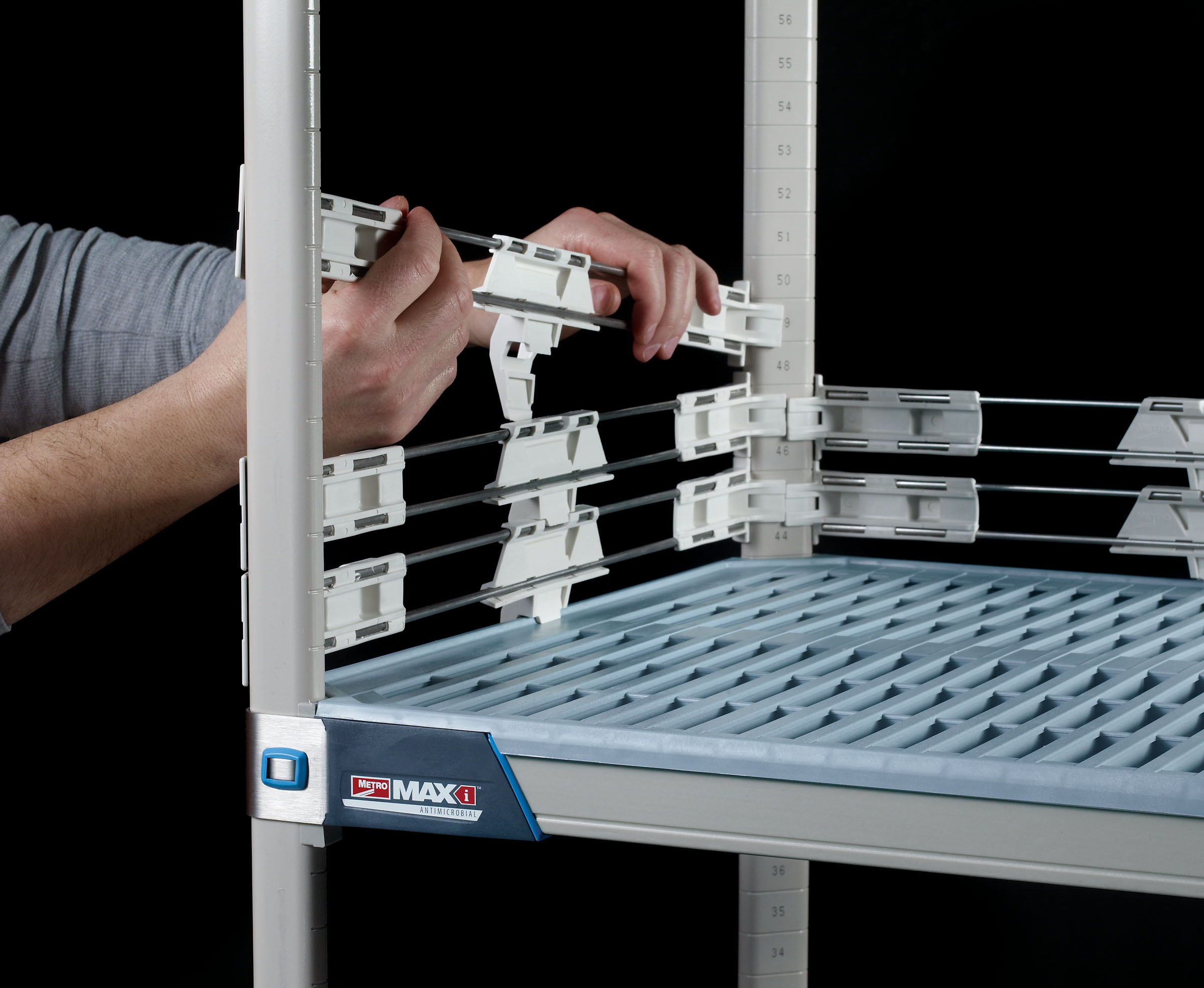 MetroMax Q Stackable Shelf Ledges